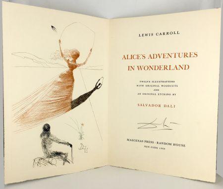 Libro Ilustrado Dali - ALICE IN WONDERLAND. 1 eau-forte et 12 bois et héliogravures en couleurs (1969).