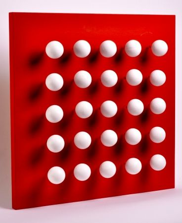 Múltiple Asis - Boules tactiles sur font rouge