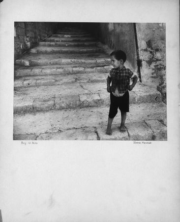 Fotografía Marshall - Boy in Acre