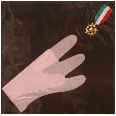 Múltiple Baj - Main et medaille