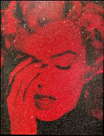 Múltiple Young - Marilyn Crying - Fire Red