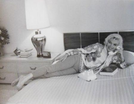Fotografía De Dienes  - Marilyn Monroe. Au Lit (1962)