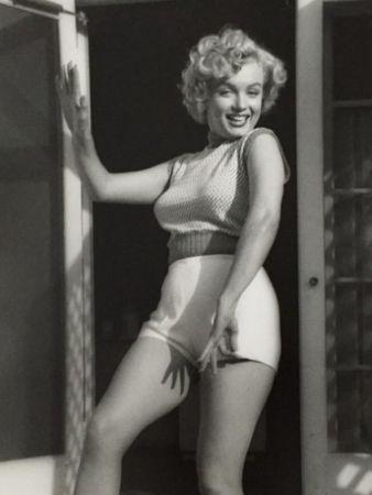Fotografía De Dienes  - Marilyn Monroe. Bungalow