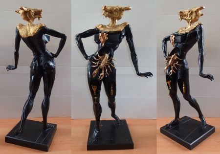 Múltiple Dali - Minotaur with golden head (tall model)