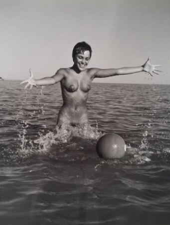 Fotografía De Dienes  - Nu avec ballon