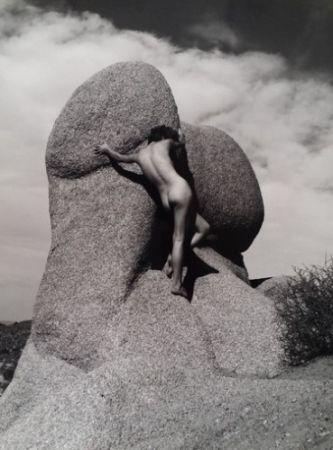 Fotografía De Dienes  - Nu sur le rocher
