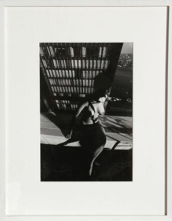 Fotografía Clergue - Nude on a Ledge