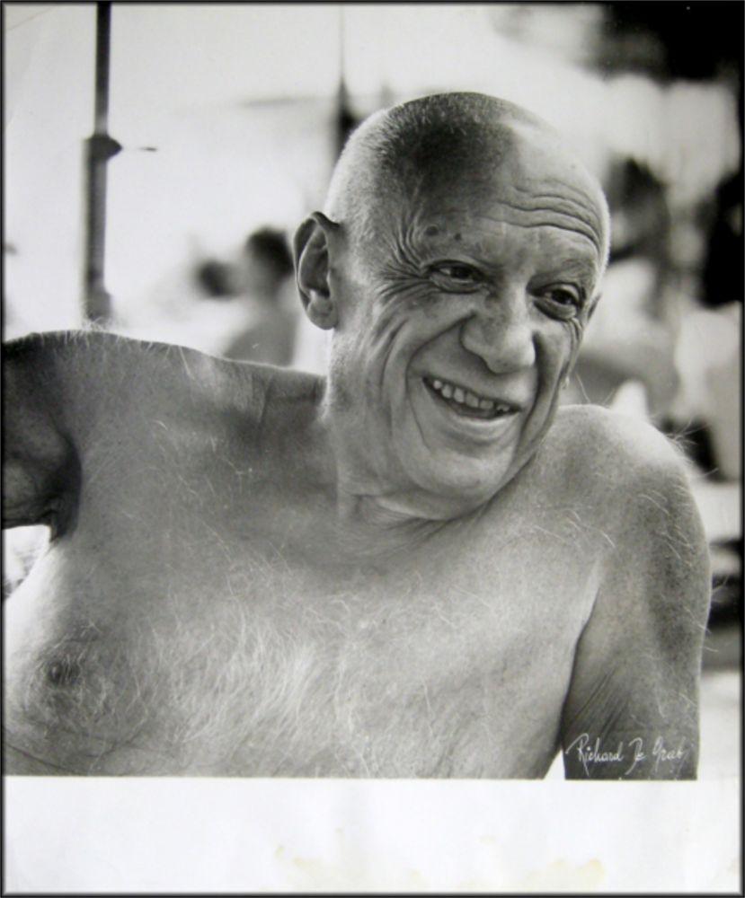 Fotografía Picasso - Portrait of the artist smiling