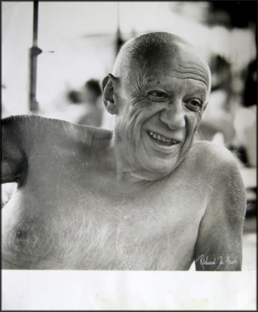Fotografía Picasso - Portrait of the artist smiling