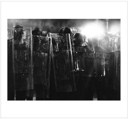 Múltiple Longo - Untitled (Riot Cops)